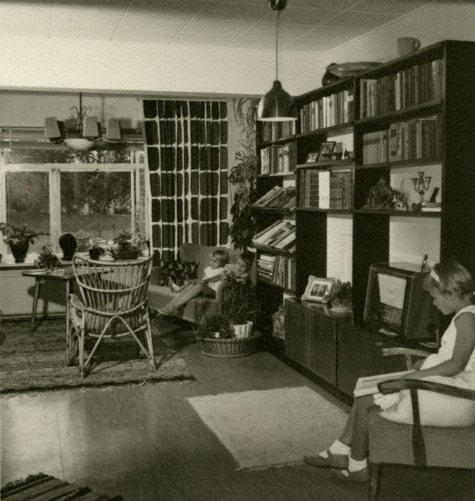 50's apartment reference image